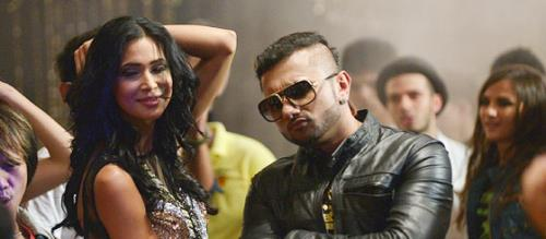 Honey Singh Back With New Song Birthday Bash Dilliwaali Zaalim Girlfriend