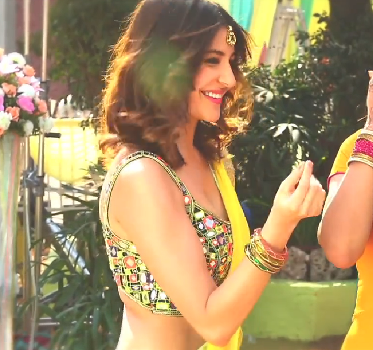 Exclusive Anushka Sharma 7UP's ad Nimbooz Masala Soda
