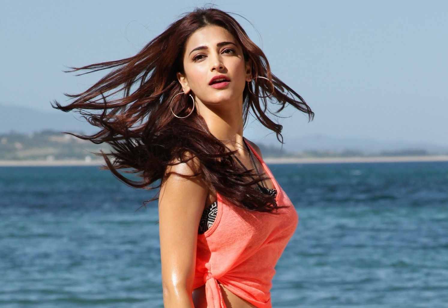 Actress Shruti Hassan Records Song for 'Gabbar Is Back' in One Hour