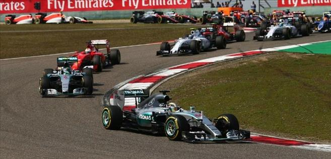 Lewis Hemilton Wins the Chinese Grand Prix F1 2015