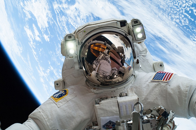 NASA Released GOPRO Footage From Spacewalks To Service Station