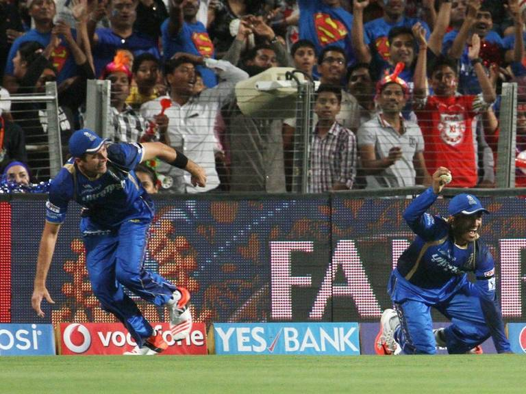 Enjoy Top 10 Unbelievable Catches In the IPL History