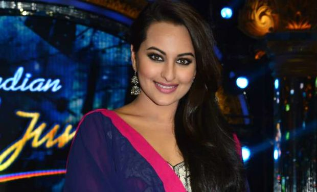 The Bollywood actress Sonakshi Sinha On Reality Show Indian Idol Junior