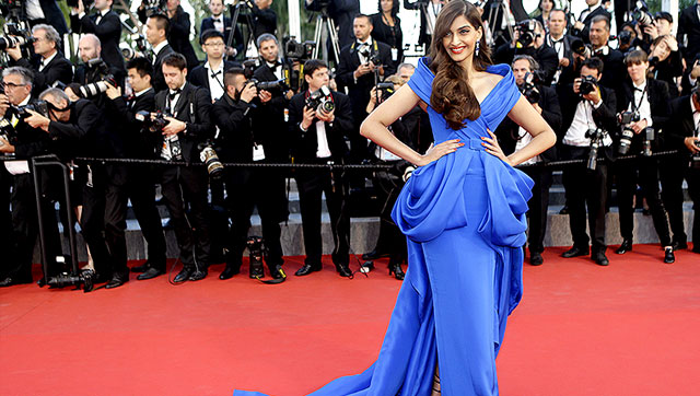 Sonam Kapoor Dress on Red Carpet