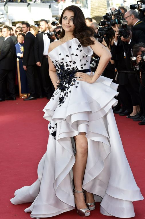 Aishwarya Rai Bachchan Dress on Red Carpet