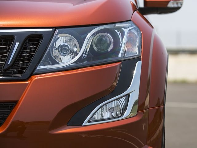 mahindra-new age xuv 500 suv lights