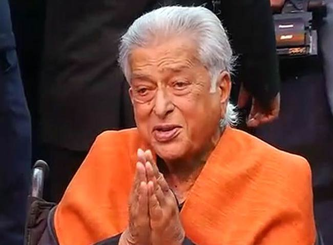 Bollywood Veteran Actor Shashi Kapoor Honoured with Dadasaheb Phalke Award