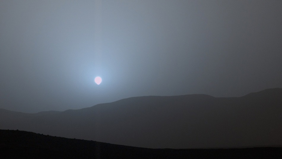 NASA's Curiosity Rover Caught a Blue Mars Sunset