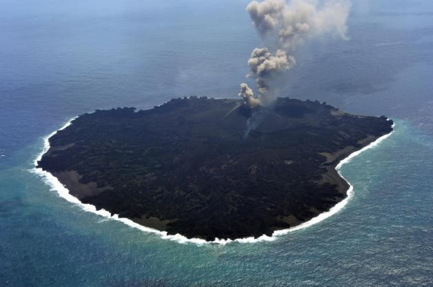 Nishinoshima island : Japenese volcano Grown Bigger Natural Lab