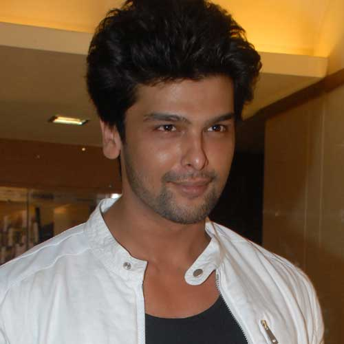 Bigg Boss Fame Kushal Tandon To Make His Debut In Bollywood