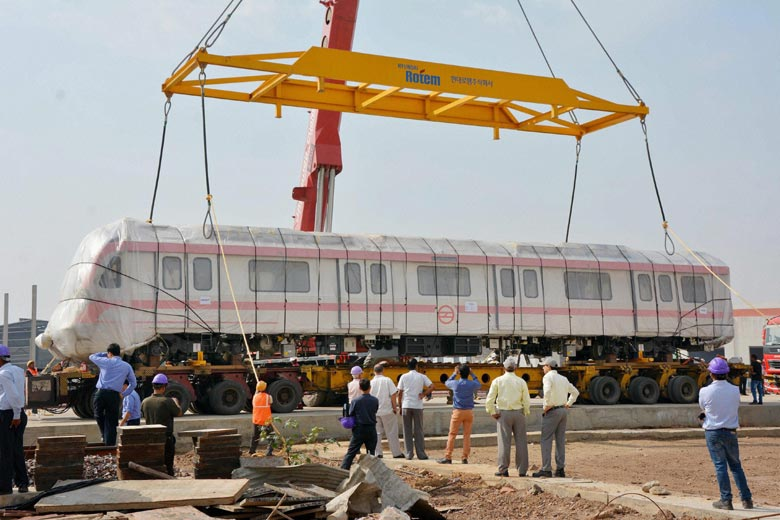 Delhi Metro DMRC Gets Its First Driver-Less Train from Korea