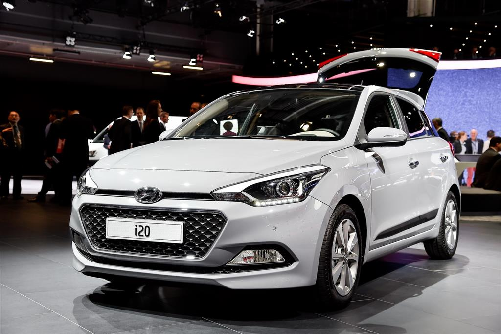 Hyundai Elite i20 Features Specification Photos Reviews
