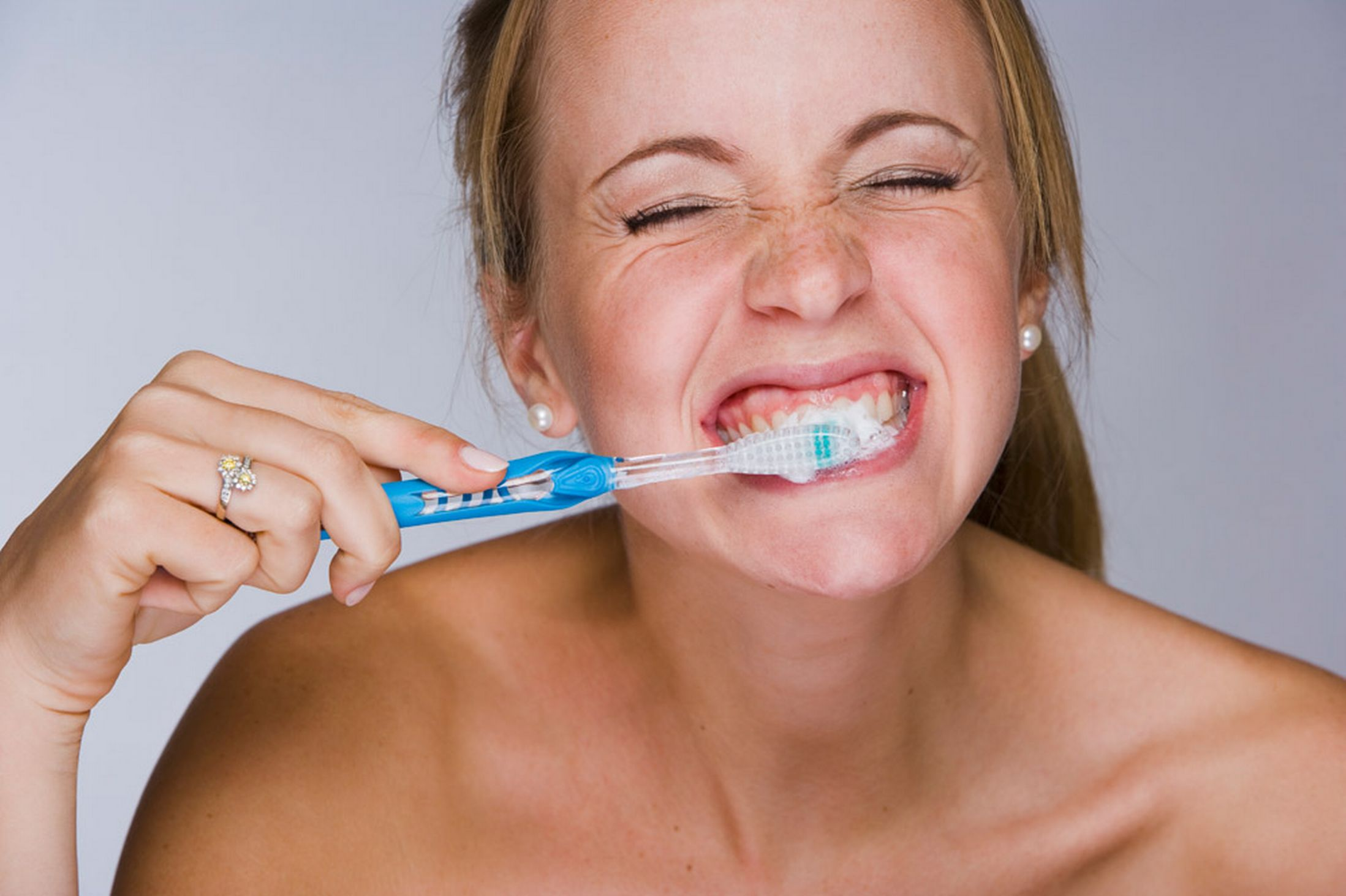 Clean your Teeth with Urine