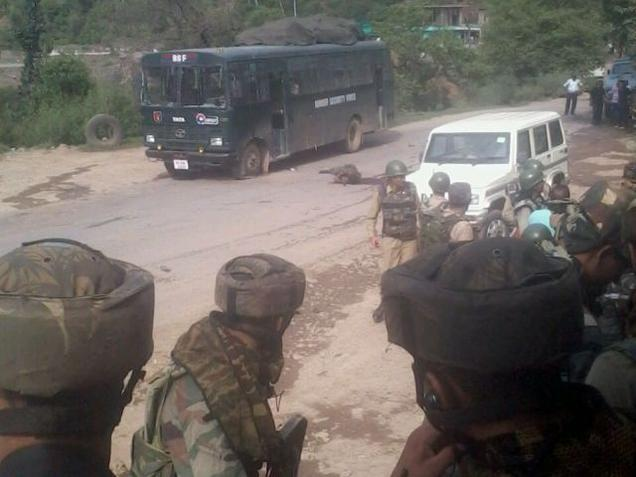 Jammu And Kashmir 2 BSF Jawan 1 Militant Killed in Ongoing Encounter