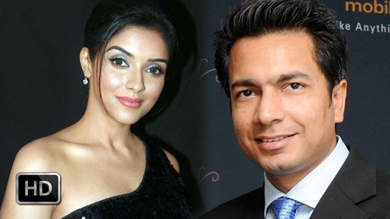 Bollywood Actress Asin Got Engaged With Micromax CEO Rahul Sharma