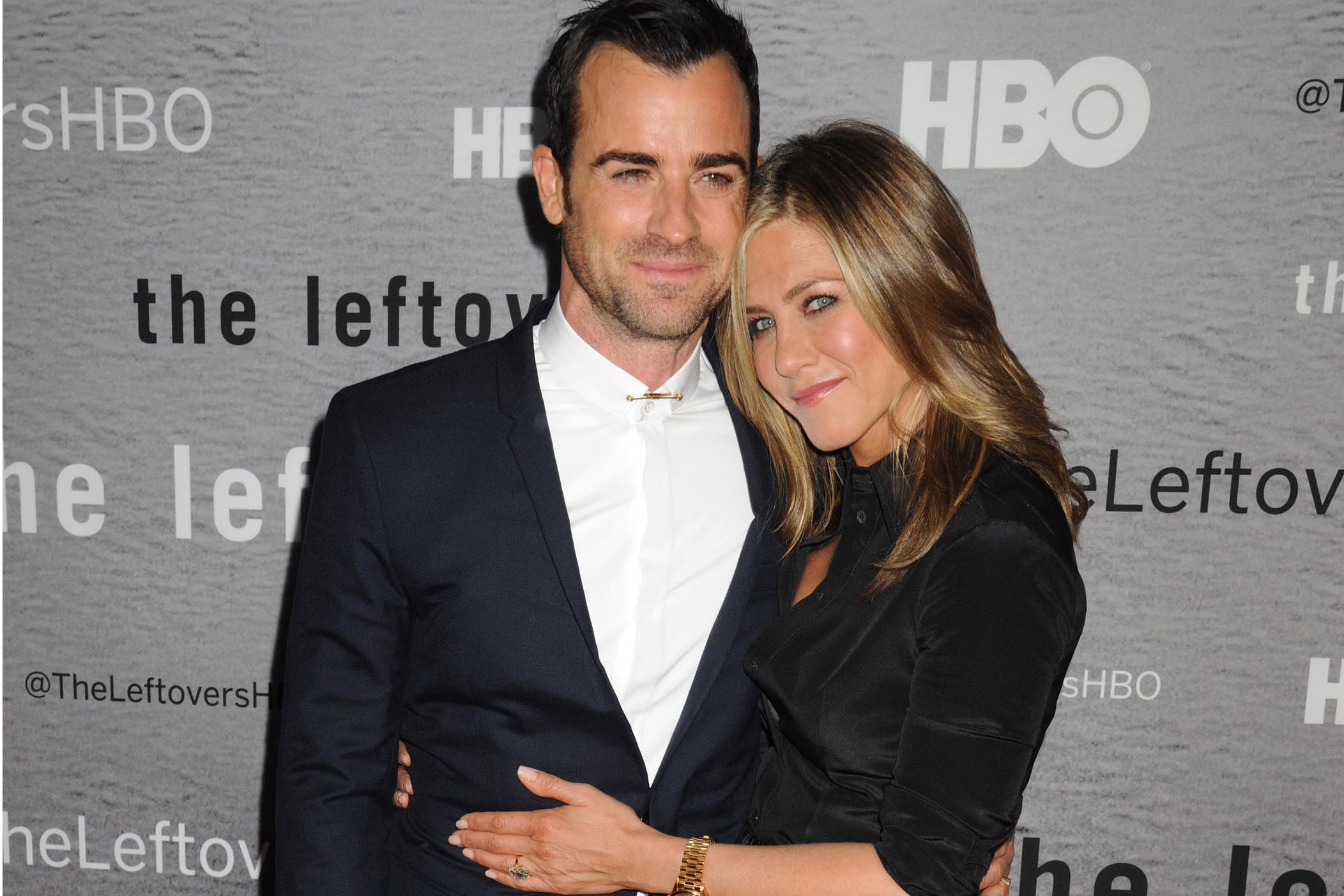 Jennifer Aniston & Justin Theroux Marriage Pics
