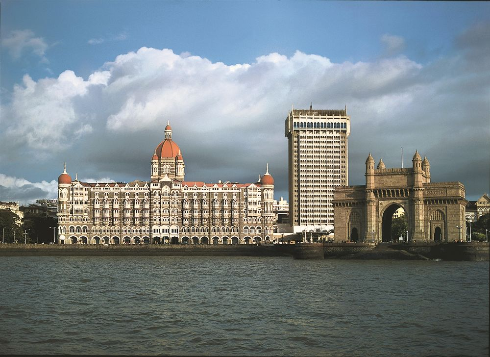 Mumbai on High Alert : Bomb Threat Call to Taj Hotel Airport