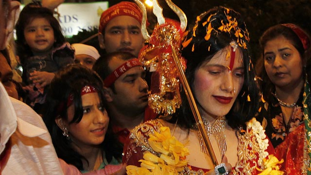 big boss 9 contestants radhe maa