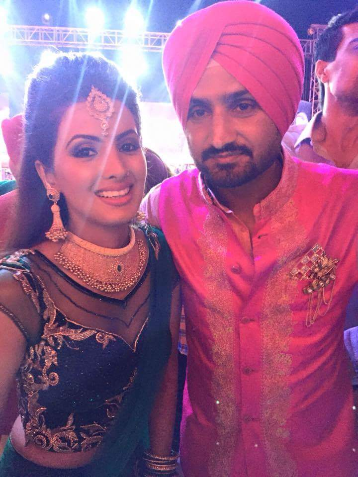 Watch Harbhajan Singh And Geeta Basra Mehendi Ceremony Photos Images Pics