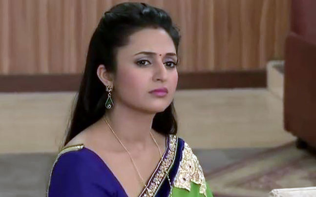 Star Plus Yeh Hai Mohabbatein 21st Nov 2015 Episode Ishita Attack Herself With Knife!