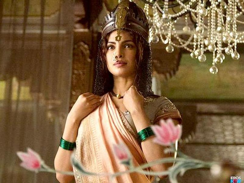 Priyanka Chopra Doesn't Wants Bajirao Mastani To Clash With Dilwale