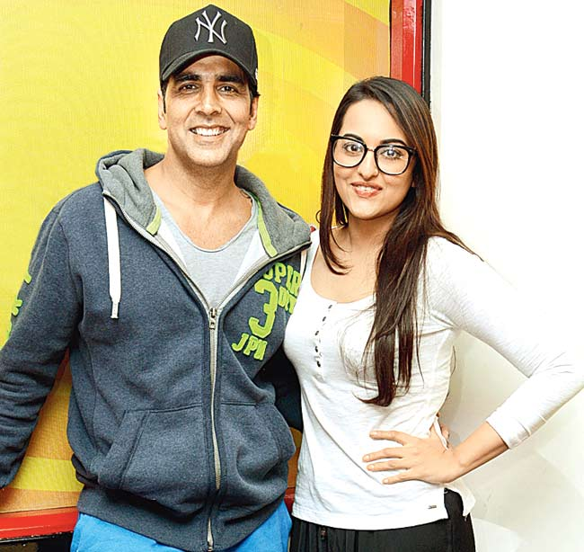 Sonakshi Sinha To Cast With Akshay Kumar In Namastey England Movie