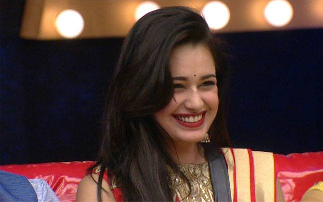 Weekend Special! Yuvika Chaudhary Get Eliminated Bigg Boss 9 8th November 2015 Episode