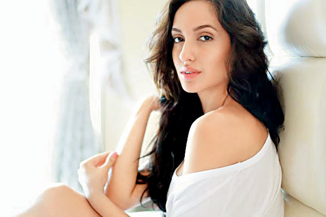 hot Nora Fatehi photos
