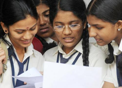 Kerala is The First State In India To Achieve 100% Primary Education Announced Vice President