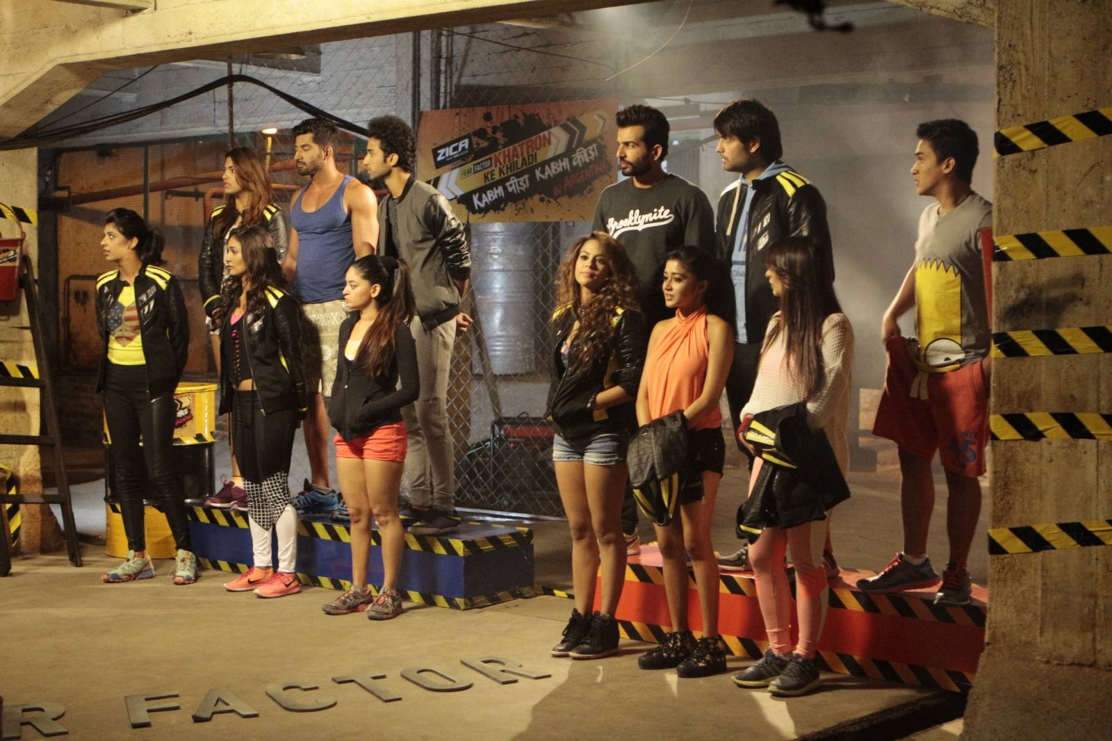 #DarrKiTsunami! Khatro Ke Khiladi 7 Episode 28th February 2016 Participants Performing Dangerous Stunts