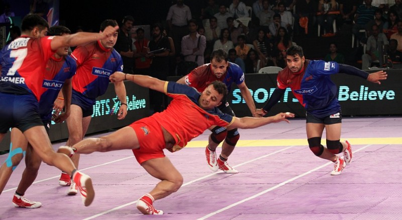 Watch Pro Kabaddi League 2016 Puneri Paltan vs Dabang Delhi Match 37
