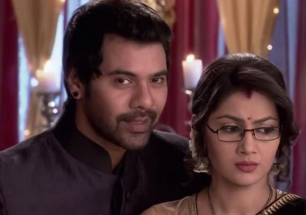Tanu's Boyfriend Catch! Kumkum Bhagya 12th March 2016 Episode Written Updates