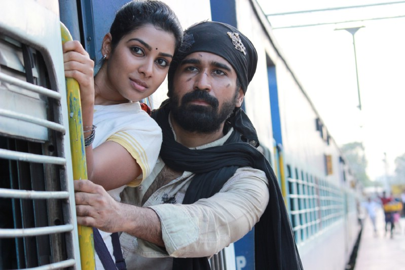 Tamilcinemastills.com-Pichaikaran-Movie-Stills-20