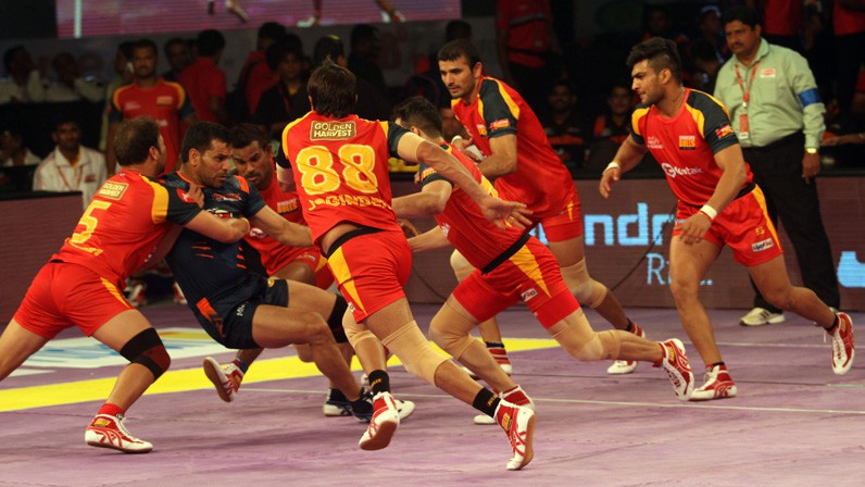Watch Pro Kabaddi League 2016 : Bengal Warriors vs Bengaluru Bulls Match 53 Live Score Highlights Results