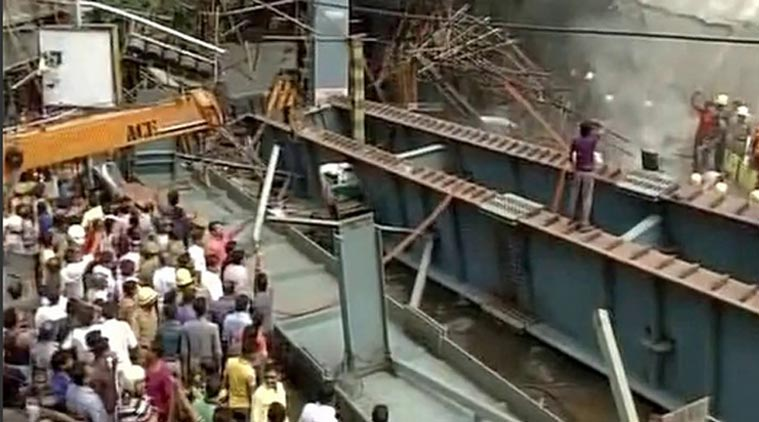 Kolkata Bridge Collapse : 10 People Died, Mamata Banerjee Rushes at the Spot
