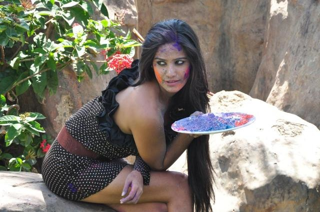 holi hot images