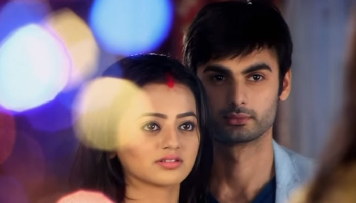 Shocking Sanskar Slap Swara's Face! Swaragini 19th April 2016 Episode Written Update