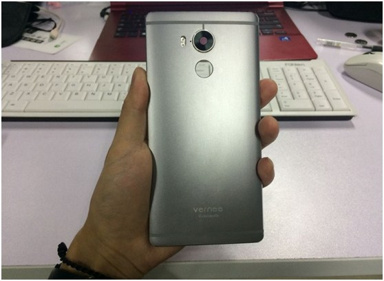 Vernee Apollo All New first All-Metal Smartphone with 2mm thick Titanium back cover