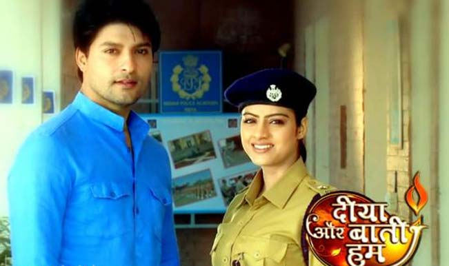 Suraj and Sandhya run outside! Diya Aur Baati Hum 30th April 2016 Episode Written Update