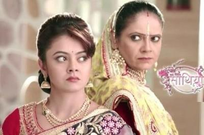 Kokila and Gopi is shocked! Saath Nibhana Saathiya 8th April 2016 Episode Written Update