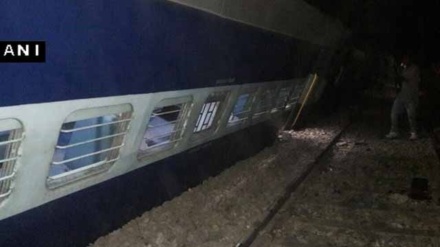 455928-ani-twitter-train-derail-hapur