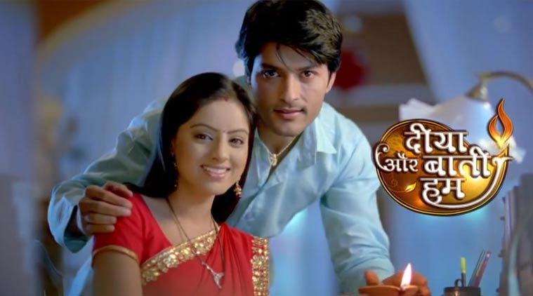Sandhya lie down in Riddhi's place! Diya Aur Baati Hum 2nd May 2016 Episode Written Update