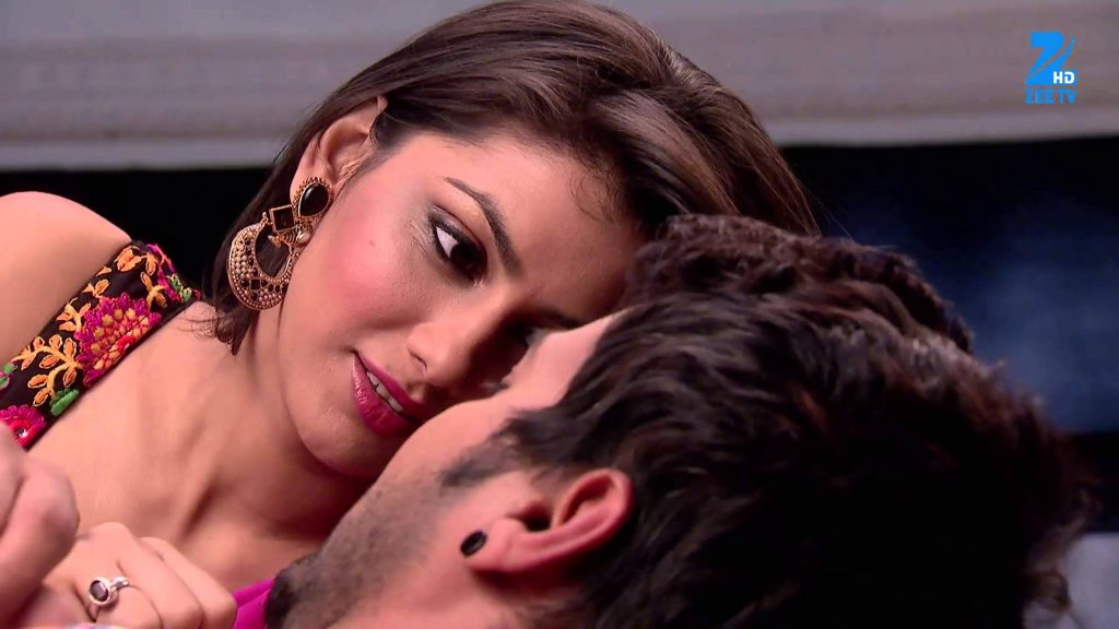 Abhi and Pragya play a game! Kumkum Bhagya 2nd May 2016 Written Updates