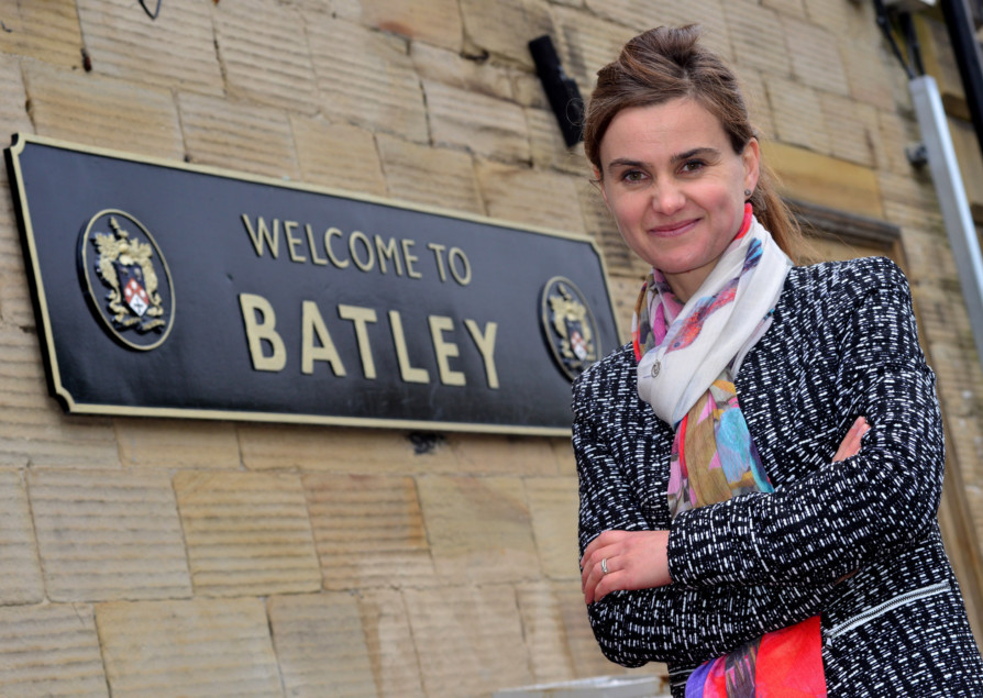 Jo Cox at the Batley Train Station. (D532F441)