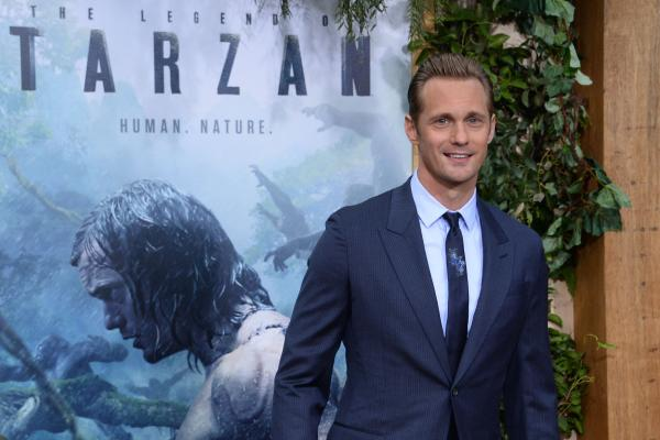 Alexander-Skarsgard-Margot-Robbie-attend-The-Legend-of-Tarzan-premiere (1)