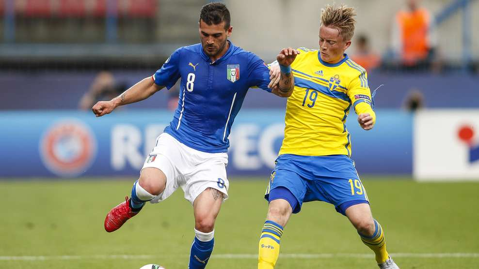 Italy into Euro round of 16, tops Sweden