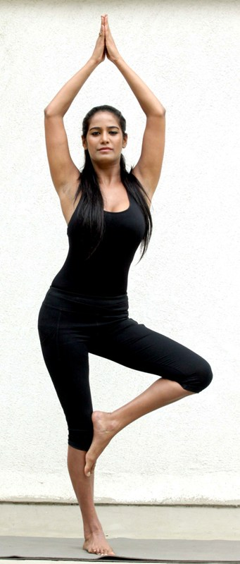 hot poonam pandey yoga