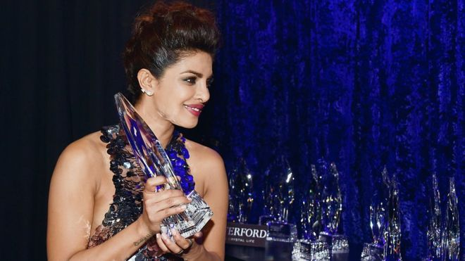 priyanka chopra teen choice award for Quantico 2016