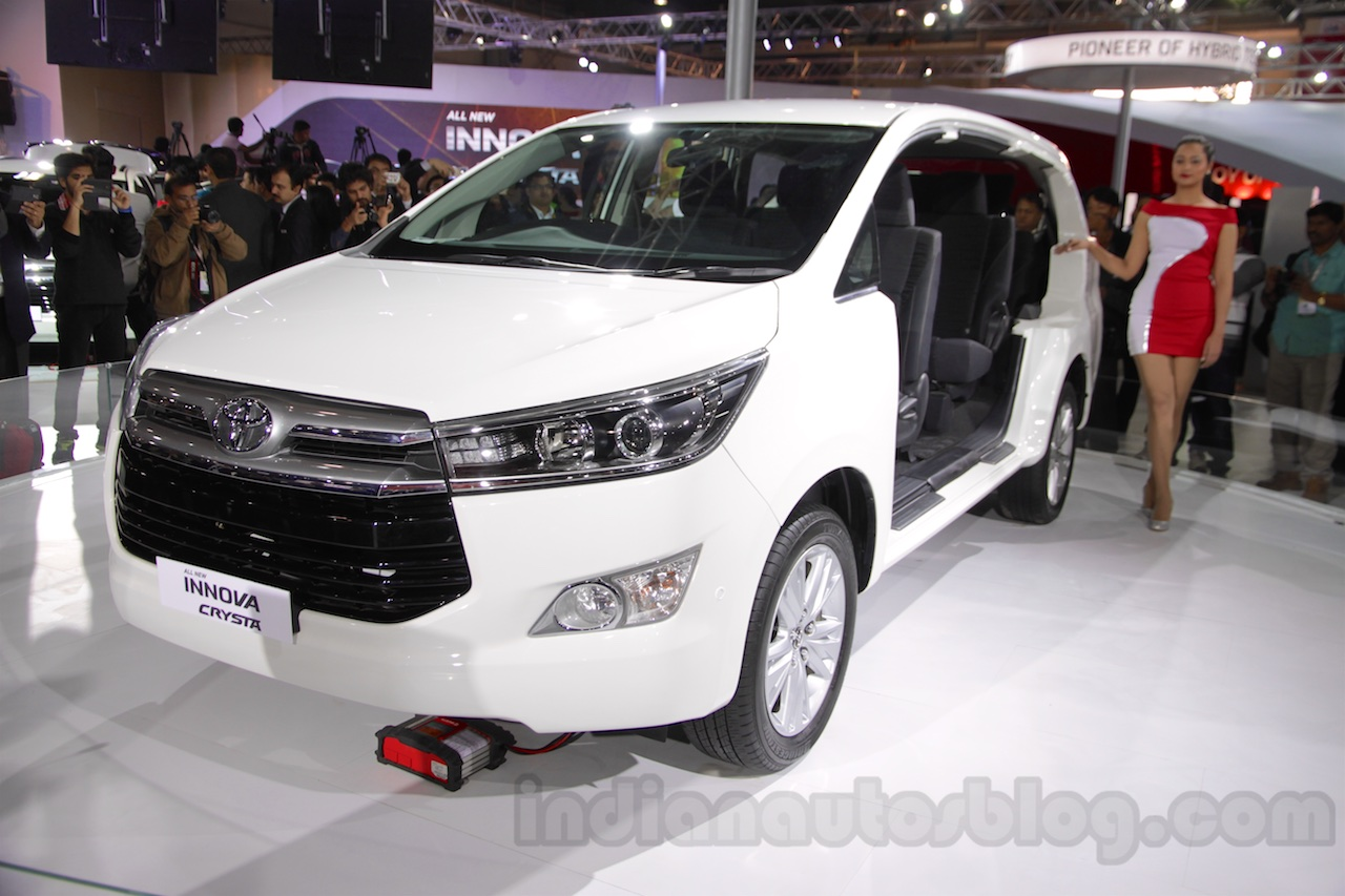 Bookings for petrol Toyota Innova Crysta open1
