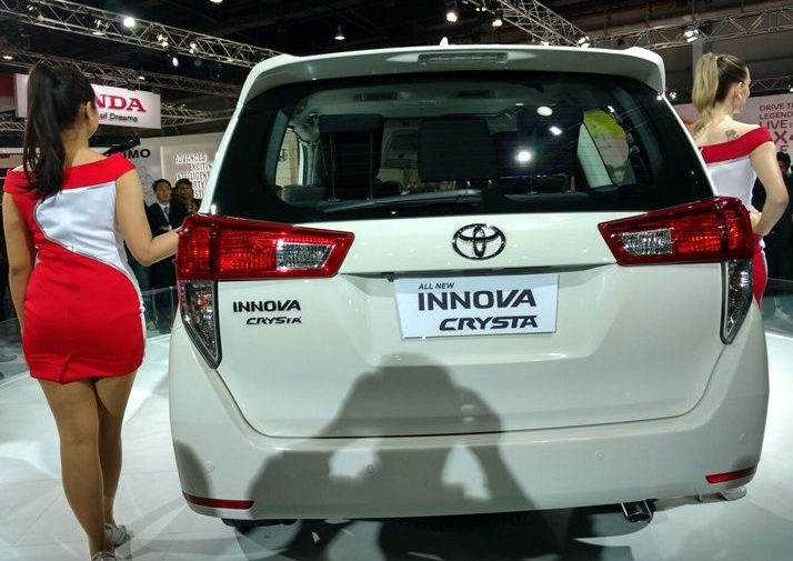 Bookings for petrol Toyota Innova Crysta open6
